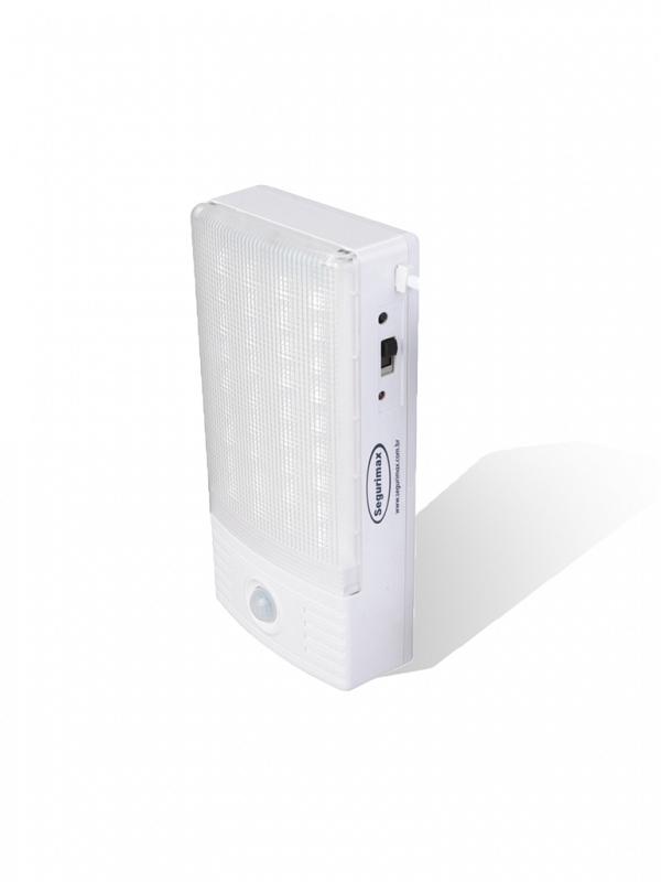 Luminária LED 288 lumens c/ sensor presença